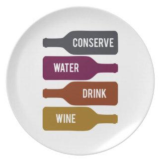 Conserve el vino de la bebida del agua plato para fiesta
