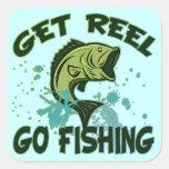 Consiga el carrete van a pescar calcomanía cuadradas