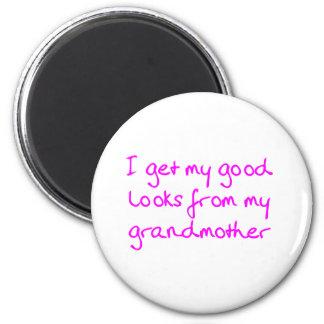 Consiga mis buenas miradas de mi abuela (el rosa) imán redondo 5 cm