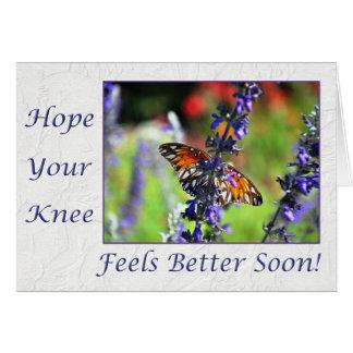 Consiga pronto la mariposa bien de la rodilla flor tarjeta de felicitación
