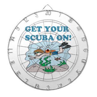Consiga su equipo de submarinismo encendido tablero de dardos