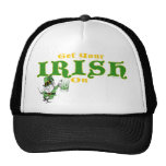 Consiga su irlandés en los gorras del Leprechaun