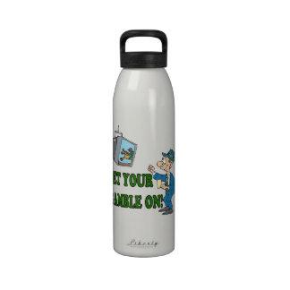 Consiga su juego en 2 botella de agua
