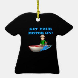 Consiga su motor encendido adorno de cerámica en forma de camiseta