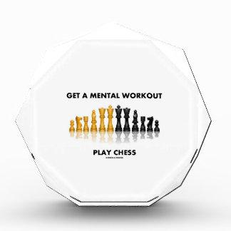 Consiga un ajedrez mental del juego del