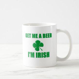 Consígame una cerveza que soy irlandés taza