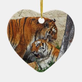 Consigamos salvajes - cáseme adorno navideño de cerámica en forma de corazón
