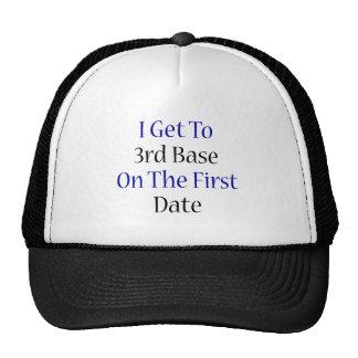 Consigo a la tercera base la primera fecha gorra