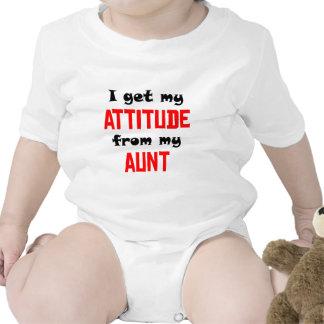 Consigo mi actitud de mi tía camisetas