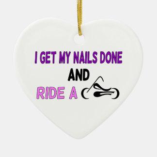 Consigo mis clavos hechos Y monto una motocicleta Adorno Navideño De Cerámica En Forma De Corazón