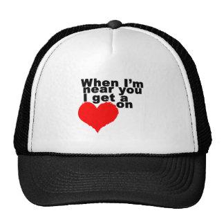 Consigo un corazón en tarjeta del día de San Valen Gorras De Camionero