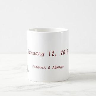 Consiguiendo casado, casando la taza de café de la