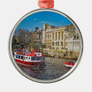 Consistorio de York con el barco de río Adorno De Reyes
