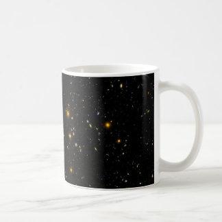 Constelación ultra profunda Fornax de la imagen de Taza Básica Blanca