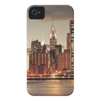 Construcción de Chrysler y horizonte de NYC iPhone 4 Coberturas