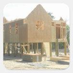 Construcción de la casa de playa calcomanías cuadradas personalizadas