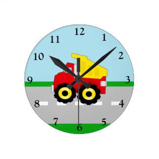 Construcción Dumptruck de los muchachos de los niñ Reloj Redondo Mediano