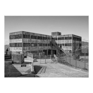 CONSTRUCCIÓN MODELO DE LAS INDUSTRIAS DE ALCATRAZ PÓSTER
