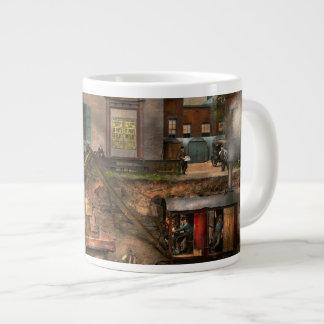 Construction - It pays to flirt 1916 Giant Coffee Mug