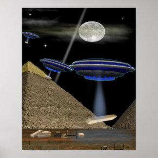 Constructores de la pirámide del UFO Posters