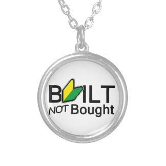 Construido, no comprado collares personalizados