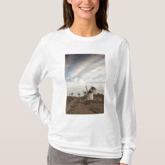 Consuegra, antique La Mancha windmills T-Shirt