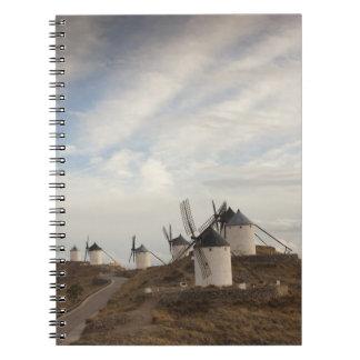 Consuegra, molinoes de viento antiguos de Mancha d Spiral Notebook