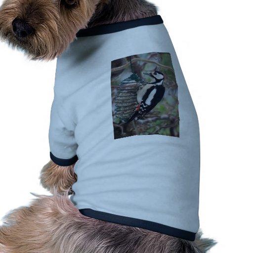 Consumición de la pulsación de corriente camiseta de perrito