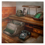 Contable - máquina de escribir - la oficina de los azulejos ceramicos