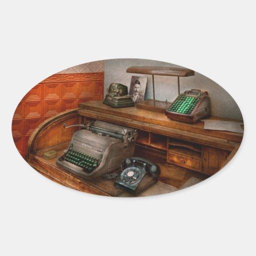 Contable - máquina de escribir - la oficina de los calcomanía de oval personalizadas