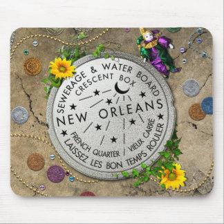 Contador del agua icónico de New Orleans Tapetes De Raton