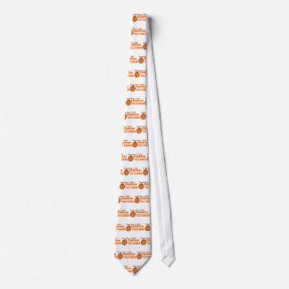 Contando con una pequeña calabaza en octubre corbatas