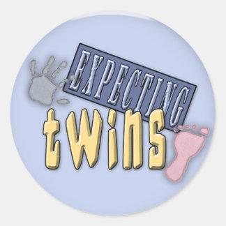 contar con a los pegatinas de los gemelos pegatina redonda