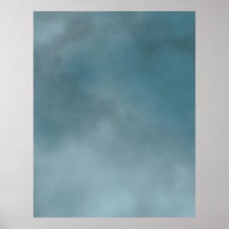 CONTEXTO COMPACTO de la FOTO - cielo nebuloso oscu Poster