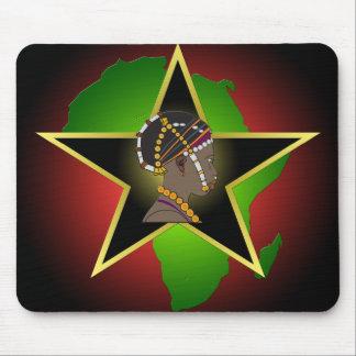 Continente y estrella africanos de la mujer alfombrillas de ratón