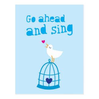 Continúe y cante la tarjeta de felicitación de la postal