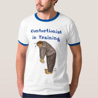 Contorsionista en el entrenamiento remera