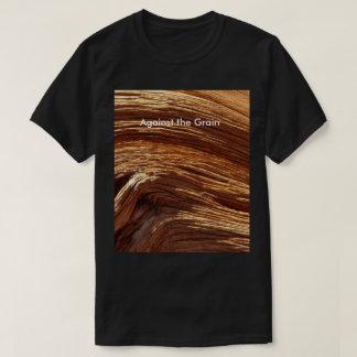 Contra la camiseta del grano, arte de madera