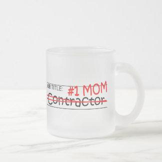 Contratista de la mamá del trabajo taza de cristal
