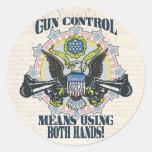 Control de armas: Usando ambas manos Arma-Toting E Pegatinas