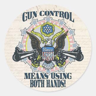 Control de armas: Usando ambas manos Arma-Toting Pegatinas Redondas