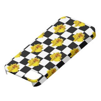 Controles blancos y negros con la orquídea amarill iPhone 5 Case-Mate cárcasas