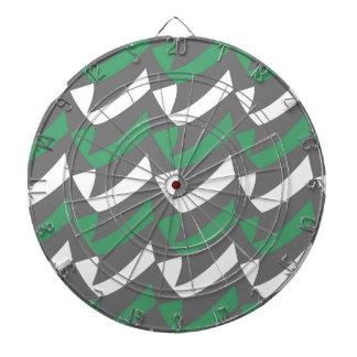Controles verdes y del gris tablero de dardos