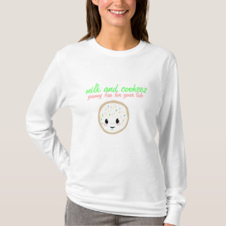 CookieJPG, milk and cookeez, yummy fun for your... T-Shirt