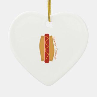 Cookout del verano adorno de cerámica en forma de corazón