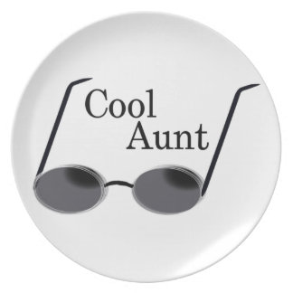 Cool Aunt Dinner Plate