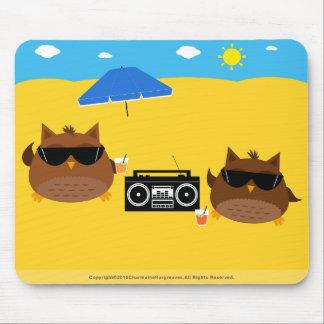 Cool Beach Owls Design - Mousepad