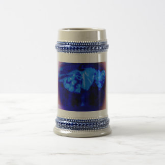 Cool blue violet hearts morphing stein