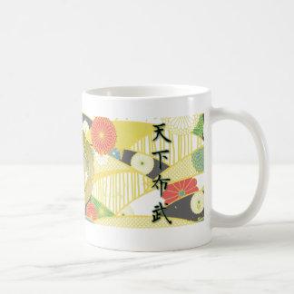 COOL JAPAN SAMURAI KAMON KANJI TENKAFUBU! COFFEE MUG