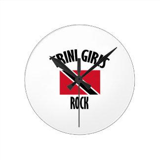 cool Trini girls DESIGNS Round Clock